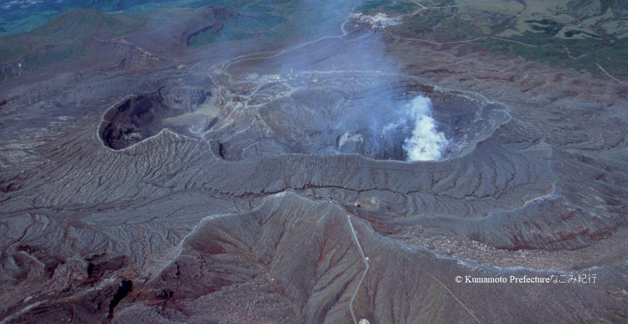 阿蘇中岳火口1