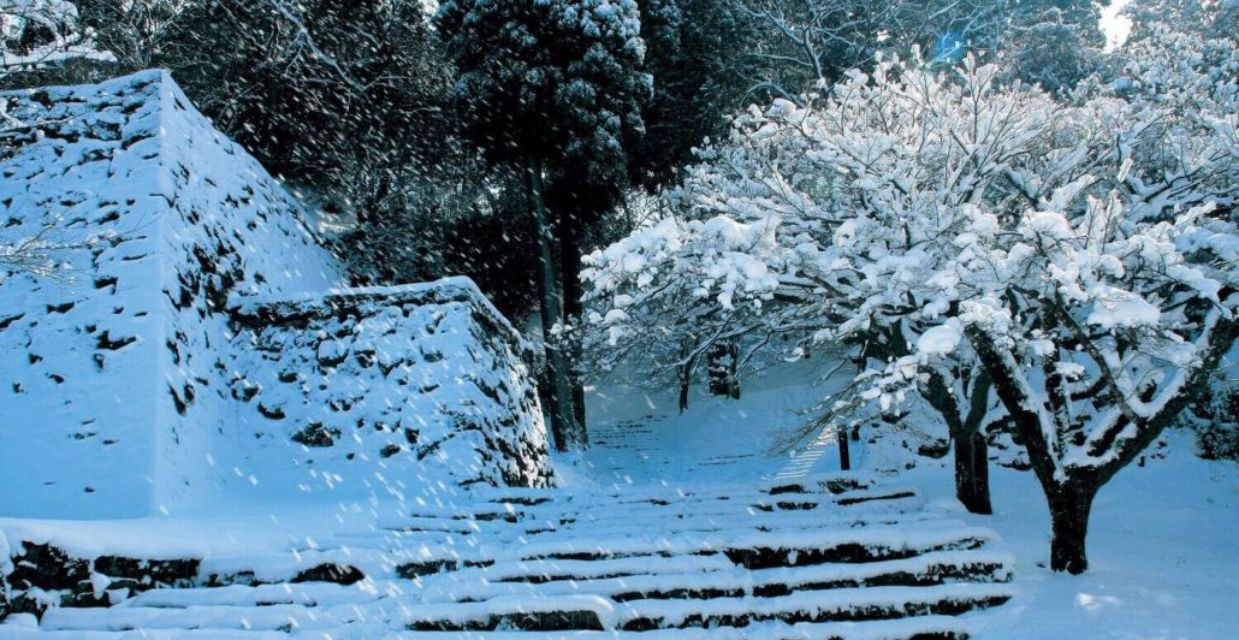 Hitoyoshi_castle in Winter